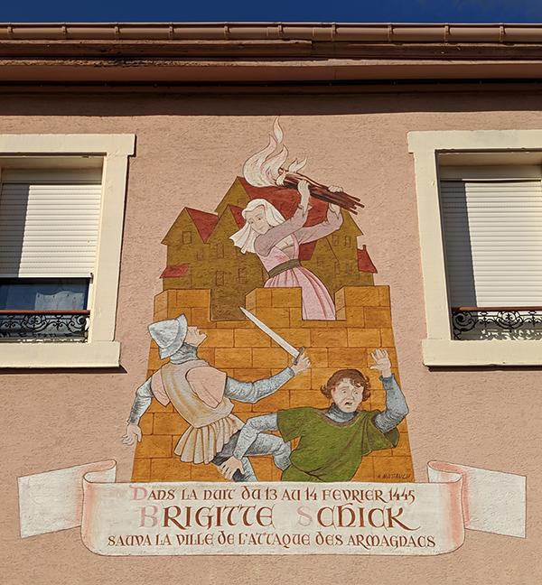 peinture en facade du 2 rue Brigitte Schick à Guebwiller